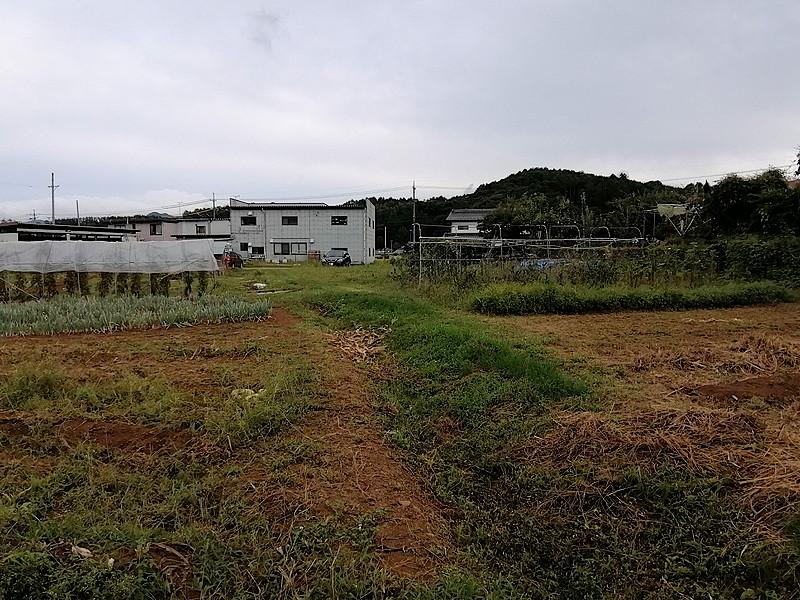 臼田インターより車で1分の好立地、平坦の広々土地