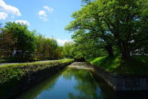 日本で二つしかない、星型のお城・田口城址は約1.0kmのところにあります。美しいお堀が現存しています。(周辺)