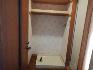 物入れ収納下 洗濯機置き場