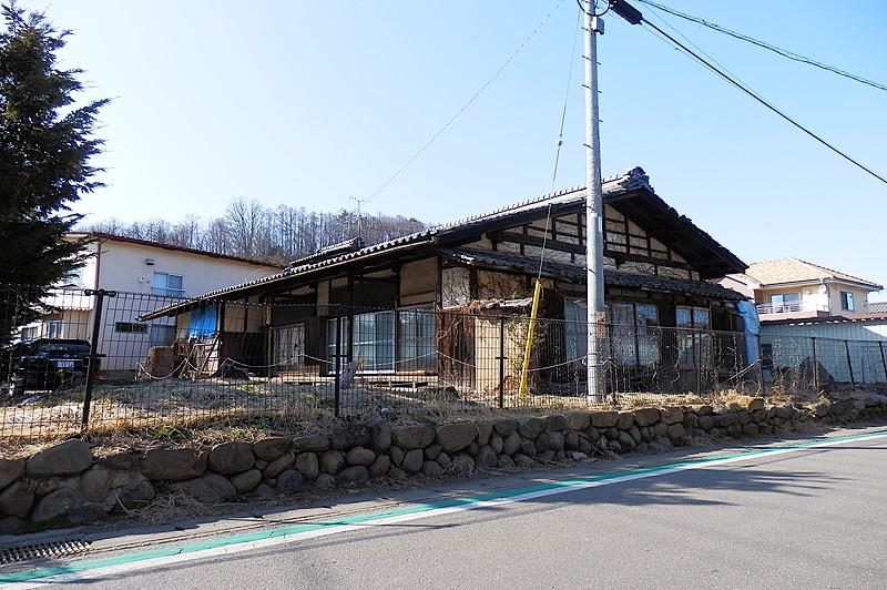 佐久穂町の敷地広めのスーパー近くの便利な立地